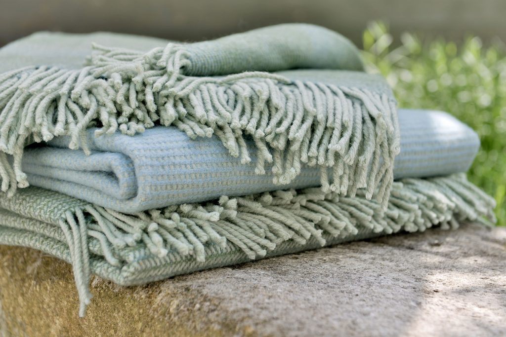 vandorstudio_breaker_wool_blanket_sky_color_detail