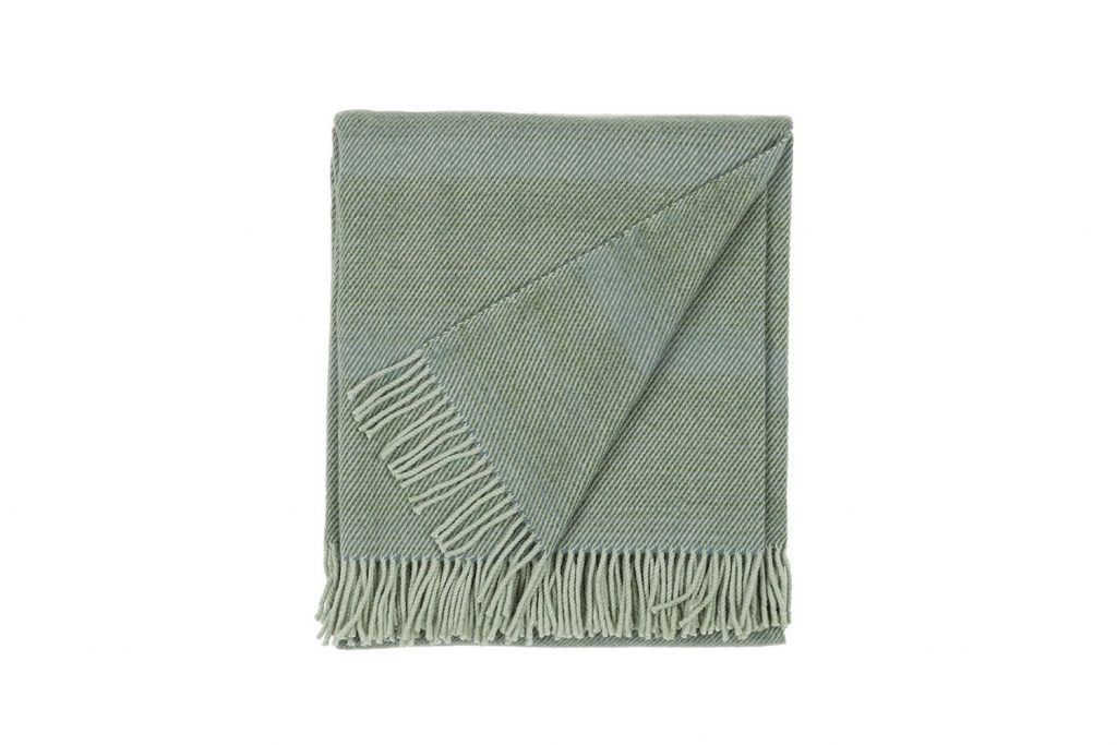 vandorstudio_nuance_wool_blanket_pine_color_folded_white_background_slideshow