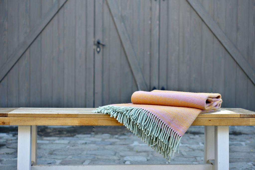 vandorstudio_nuance_wool_blanket_sun_rose_color_cottage