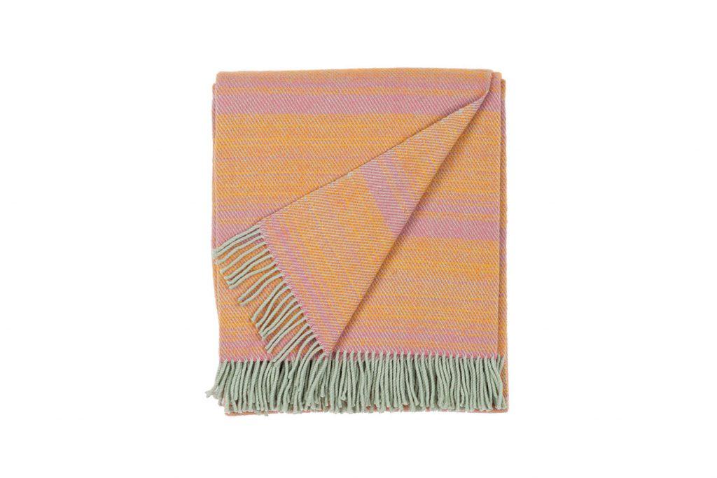 vandorstudio_nuance_wool_blanket_sun_rose_color_folded_white_background_slideshow